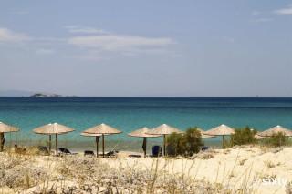 plaka-beach-naxos (2)