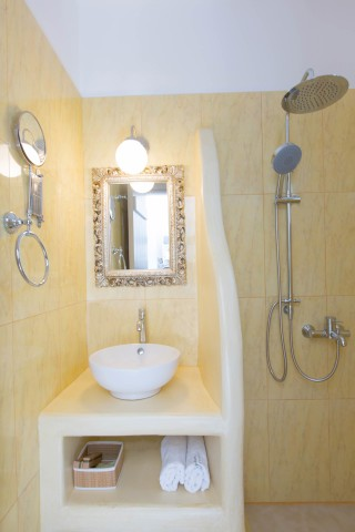 naxos-deluxe-double-rooms-15