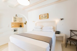 naxos-deluxe-double-rooms-18