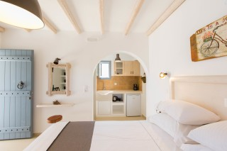 naxos-deluxe-double-rooms-22
