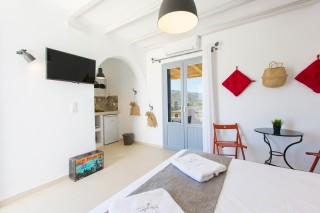naxos-deluxe-double-rooms-30