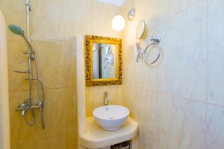 naxos-deluxe-triple-rooms-13